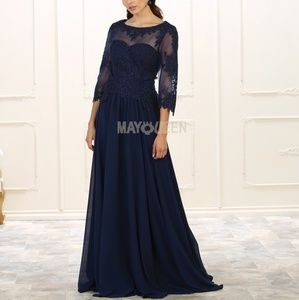 New formal gown. Evening mother of the bride dress